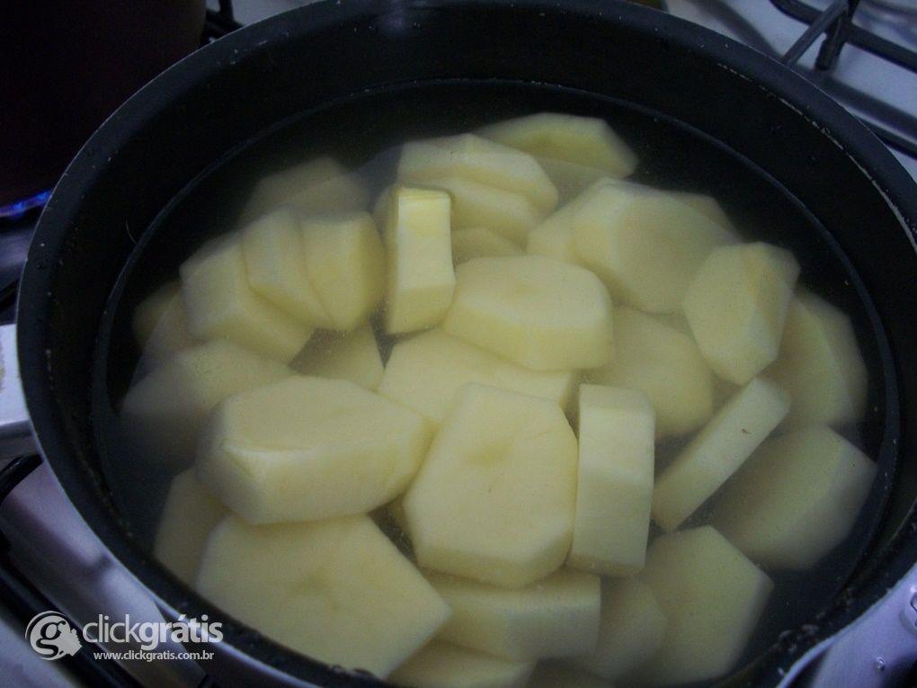 Passo 2 - Batatas Gratinadas com Creme de Leite Nestlé