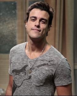 Joaquim Lopes interpreta Lucindo na novela Sangue Bom exibida pela
