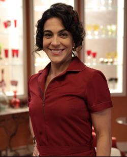 Izabella Bicalho interpreta Nice na novela Sangue Bom exibida pela