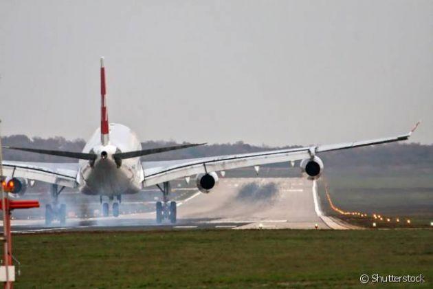 5 vezes que um avião precisou fazer pouso de emergência por motivo bizarro