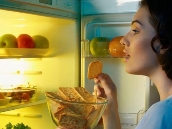 Comer à noite pode te fazer mal