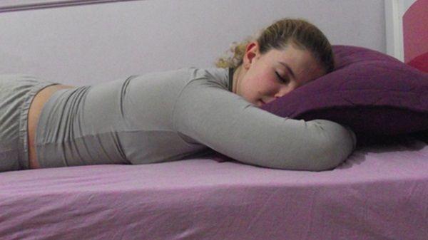 dormir-de-brucos