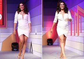 Decote de Juliana Paes rouba a cena em evento de moda em SP