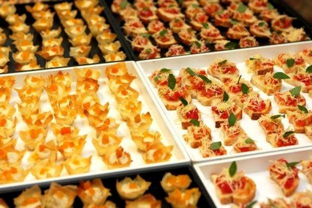 Aperitivos n o devem faltar no buffet para casamento for Canapes simples e barato