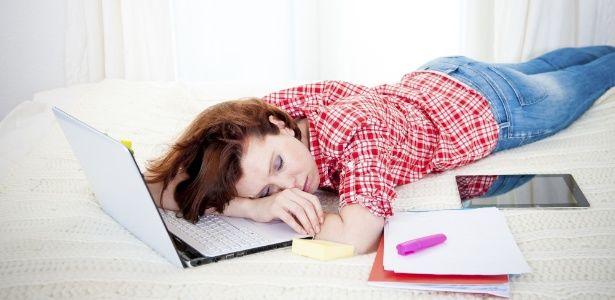 Preguiça comum dos adolescentes tem a ver com os processos de restauração do organismo