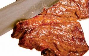 Quer deixar a carne mais macia? Veja dicas simples que realmente fazem a diferença