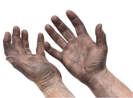 Mãos cálidas e cheias do nada