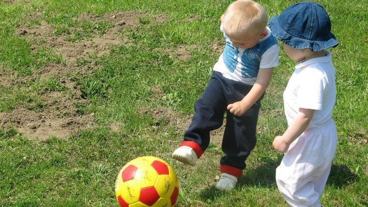 Esporte para os filhos - bola