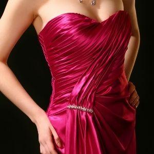 Vestido de tafetá ou cetim