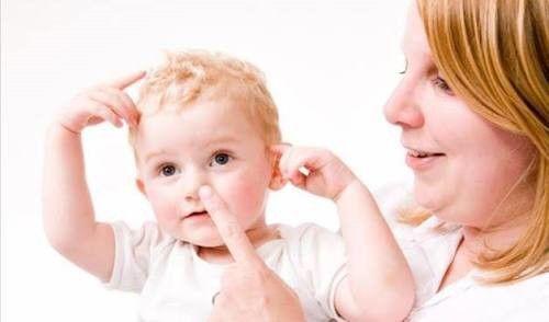 Limpeza do nariz entupido do bebê