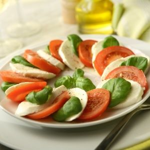 salada-caprese-getty-1439489413344_300x300