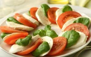 Os tipos de tomate disponíveis no mercado e a utilidade de cada um