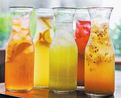 8 ideias de bebidas para você se refrescar no calor do verão
