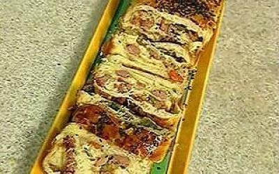 Pão de Pimentão e Lingüiça - Receita de Pães e Sanduíches - ClickGrátis