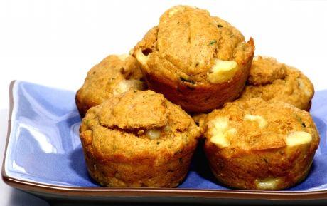 Muffin de Queijo, Tomate e Manjericão - Receita de Entradas e Aperitivos - ClickGrátis