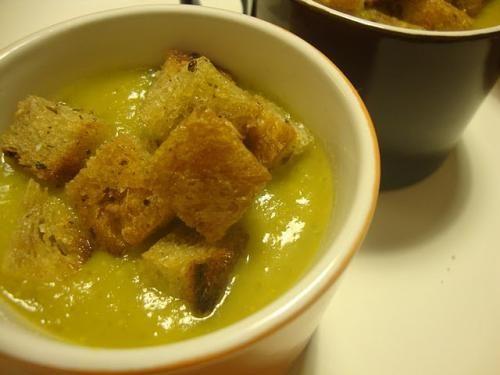 Receita Sopa Cremosa com Croutons Caseiros