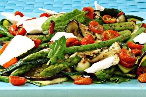 Receita Salada de Quinua Real com Tomate Cereja, Queijo de Cabra e Pesto