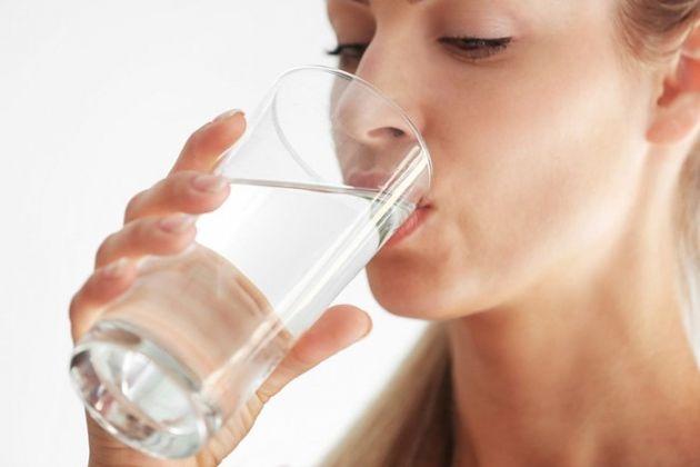 10 benefícios do jejum de água