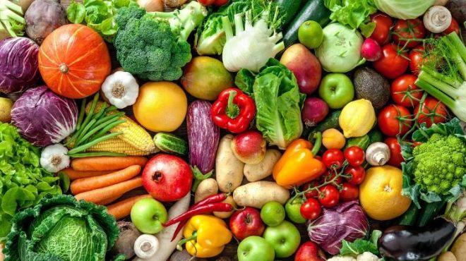 Escolher frutas e legumes vai além da aparência perfeita - veja dicas