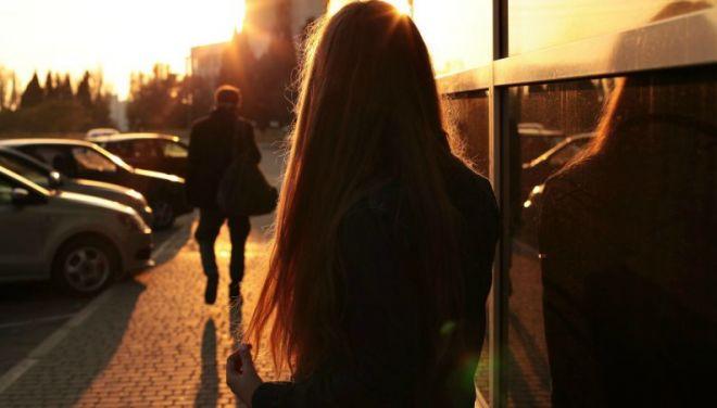Atitudes que todos deveriam tomar após o fim de um longo relacionamento