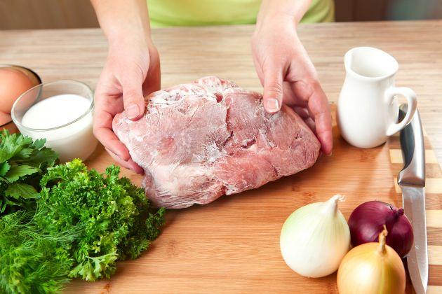 Coisas que você precisa saber antes de descongelar a carne