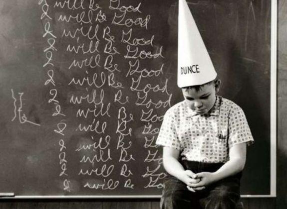 Regras escolares bizarras que você não sabia que existiam ao redor do mundo