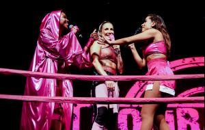 Não foi só Anitta: relembre cantores que esqueceram letras de suas músicas no palco