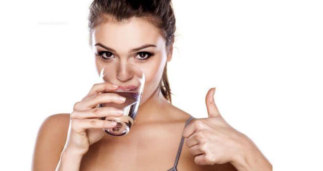 5 truques para você ingerir mais água neste novo ano