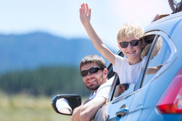 Férias econômicas - veja dicas para poupar em uma viagem em família