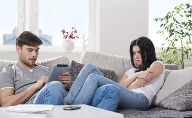 5 indícios de que o parceiro está querendo pular fora da relação