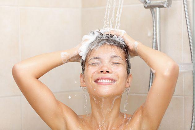 12 importantes razões para tomar banho frio de manhã