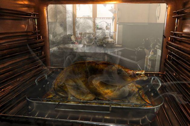 Dicas para tirar cheiro de queimado da cozinha