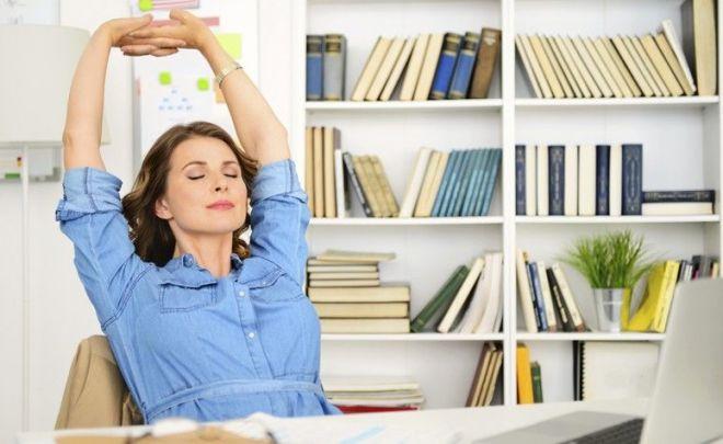 Dicas simples para mulheres reduzirem a ansiedade no trabalho