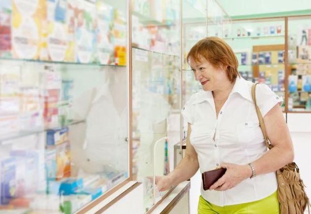 Dicas para economizar na conta da farmácia