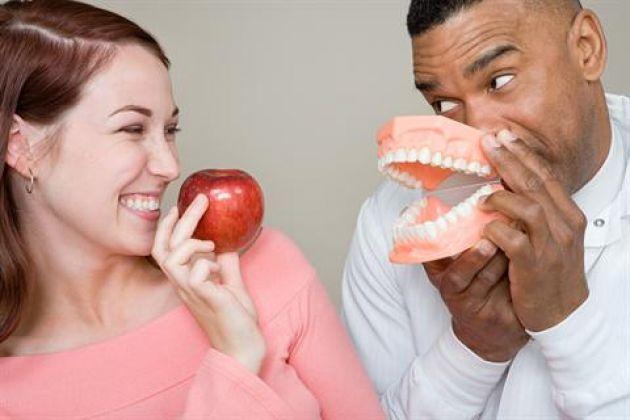 Conheça nutrientes que fazem bem para a saúde bucal