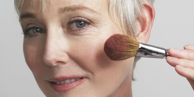 Dicas de maquiagens para peles de pessoas idosas