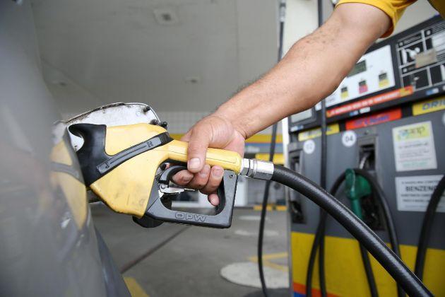 Gasolina: 5 dicas de especialistas para economizar dinheiro