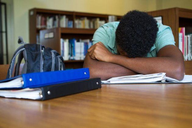 Descubra como acabar com a procrastinação nos estudos para concursos