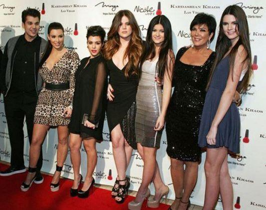 Confira as celebridades de hollywood com mais filhos