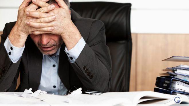 Identifique os principais sintomas de trabalho excessivo