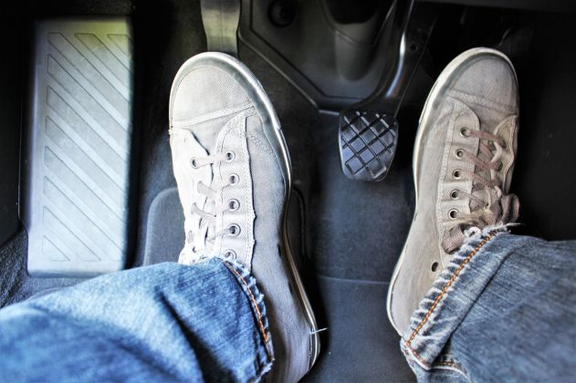 5 dicas para cuidar do freio e da embreagem do seu carro