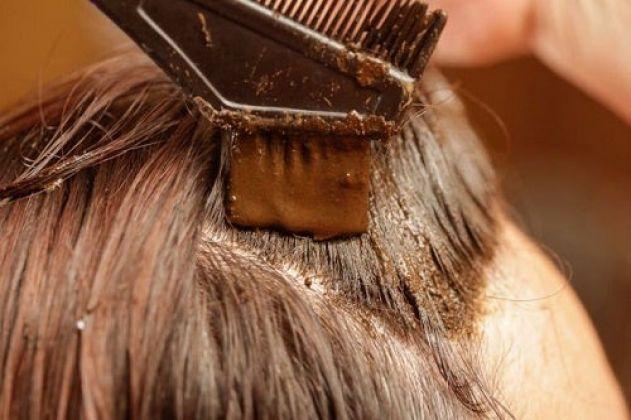 Conheça os benefícios da Henna para os cabelos