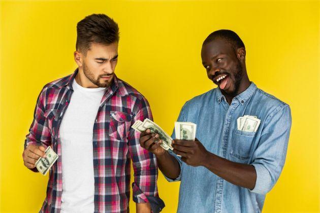 As 6 piores dicas de economia que alguém pode receber na vida