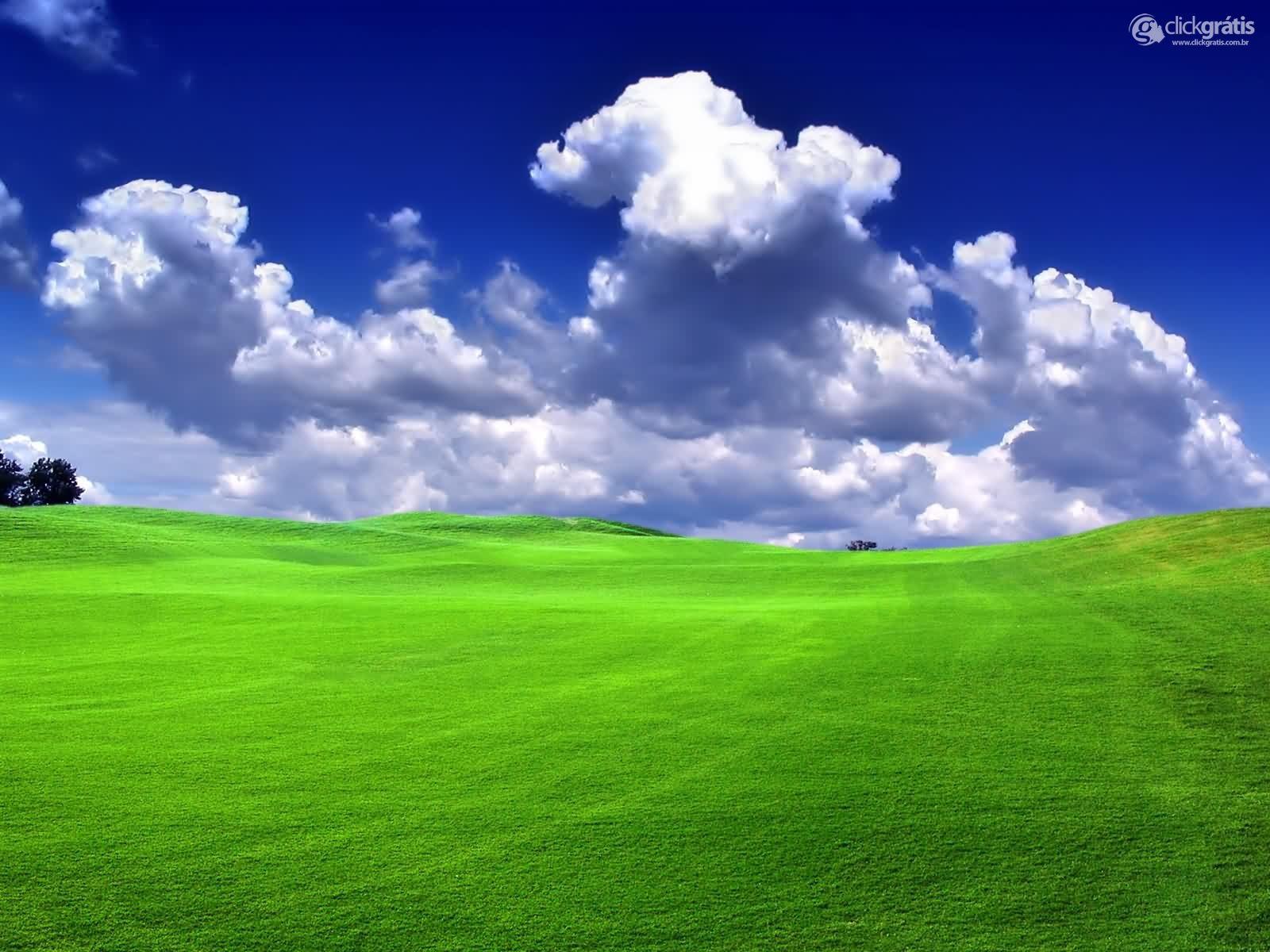 Gramado e Nuvens