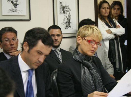 Justiça bloqueia contas da Band para pagamento de dívida indenização para Xuxa