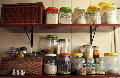 alimentos-organizados-na-despensa