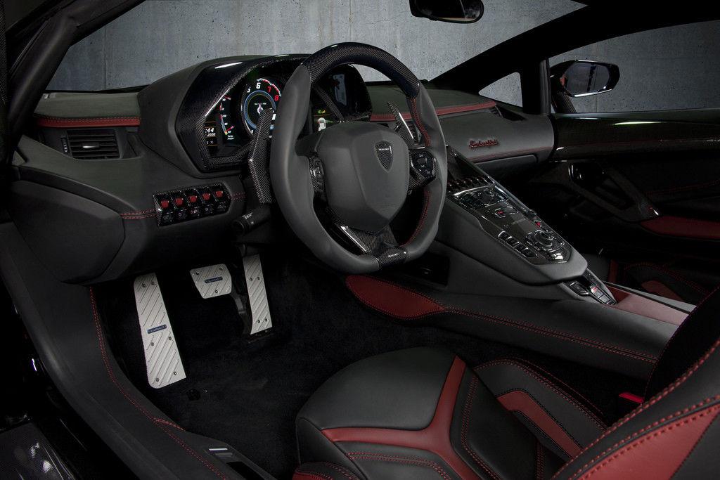 Interior da Lamborghini Aventador