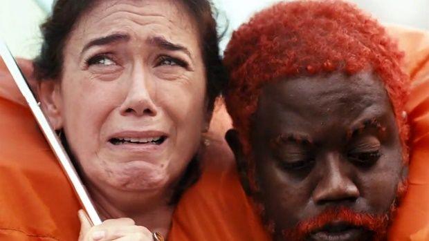 Filme nacional 'Julio Sumiu' é duramente criticado e Lília Cabral é o que salva na comédia