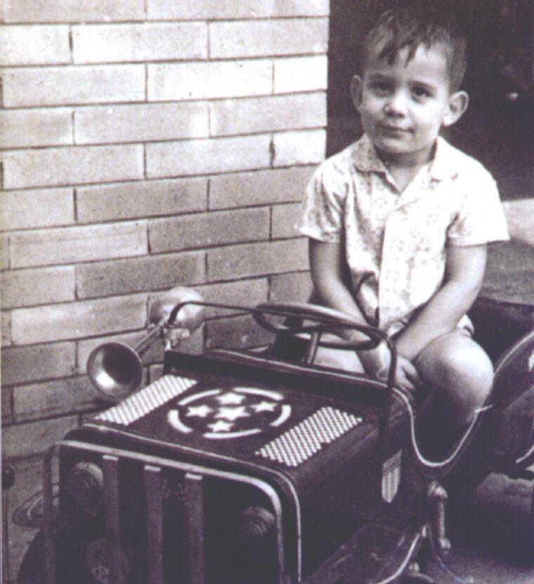 Ayrton Senna aos oito anos de idade