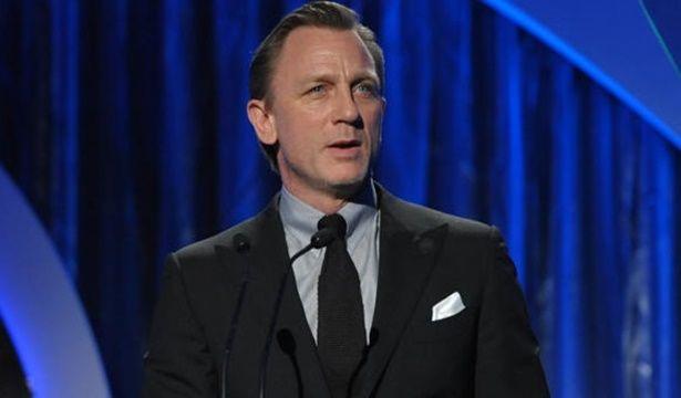 Filmes 007: 24° lançamento com James Bond será lançando em 2015, primeiro no Brasil